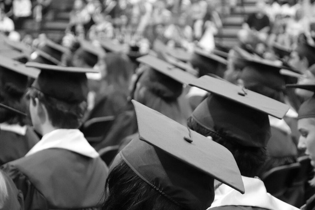 高専を卒業できる年齢は最短で20歳
